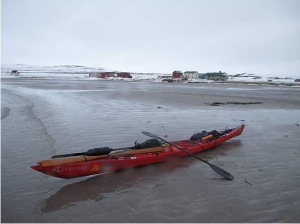 Arrow Enpower på en strand i Finnmark. Copyright Erik Jørgensen