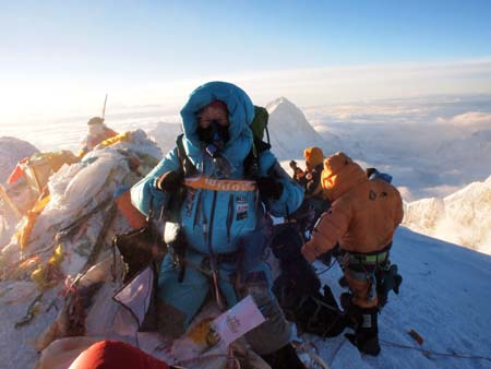 Anneli Pompe på Mt Everest topp 20 maj 2011