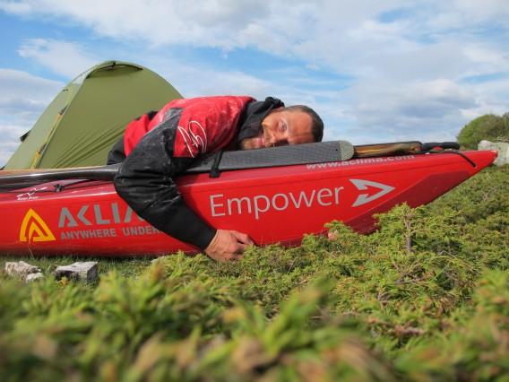 Erik Jørgensen och kajak Arrow Empower
