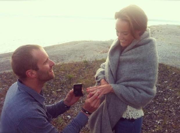 Fredrik Sträng proposing to Alexandra Berglund