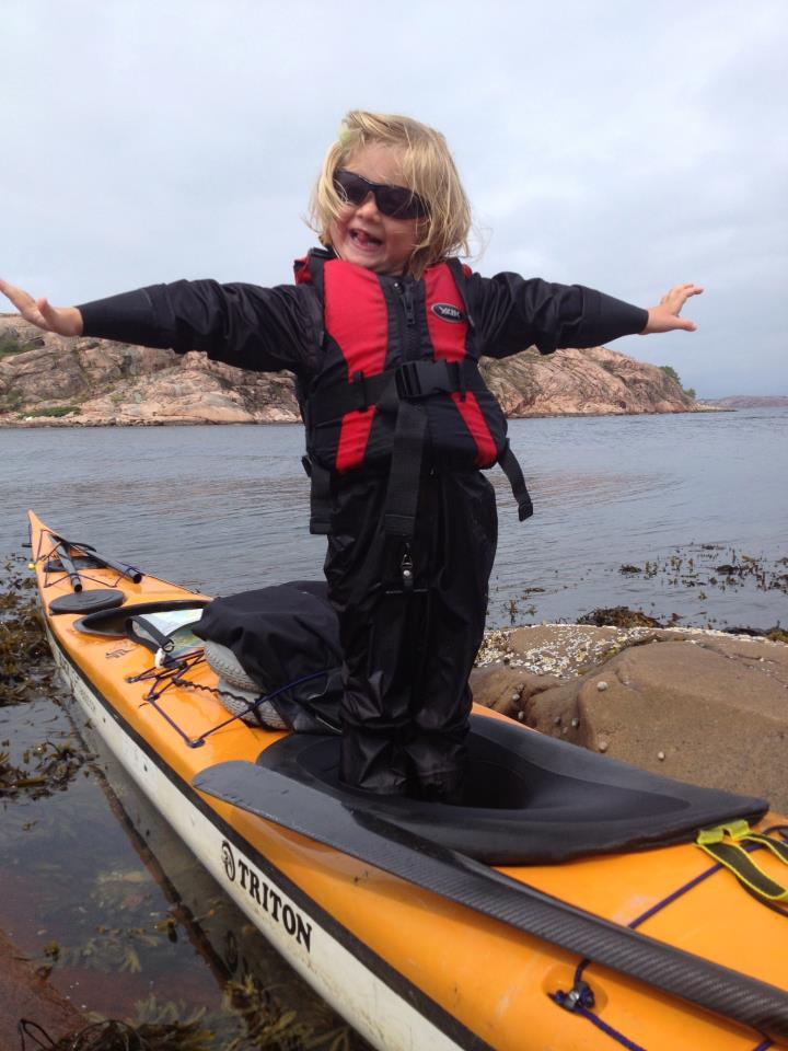 Elda Wagner paddling