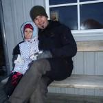 Mattias med dotter vid bastun
